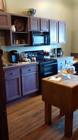 Como, Mississippi: Serve yourself kitchen