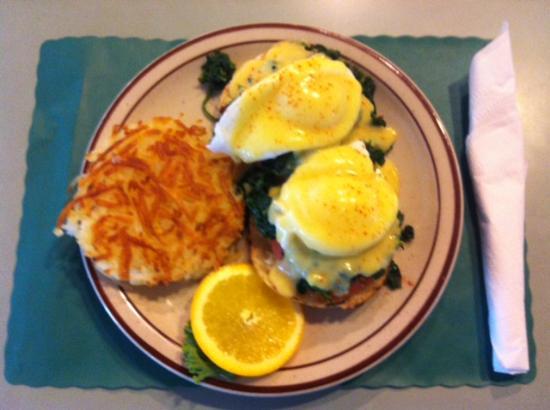 Bentley's Falls Church Diner: Eggs Bene