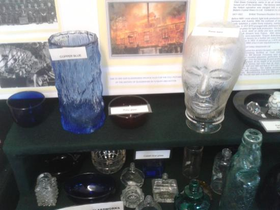 Tutbury, UK: Local glassware