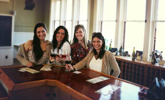 Peninsula Cellars: Good Friends, Great Wine!