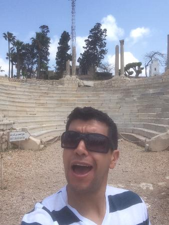 """Emo Tours - Day Tours: """"Singing"""" in the Roman Theater! Lol"""