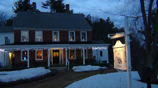 Temple, NH: The Birchwood Inn by Night!