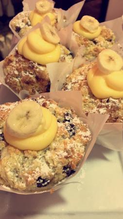 Cafe Lago: To die got Banana, custard and chocolate muffins!