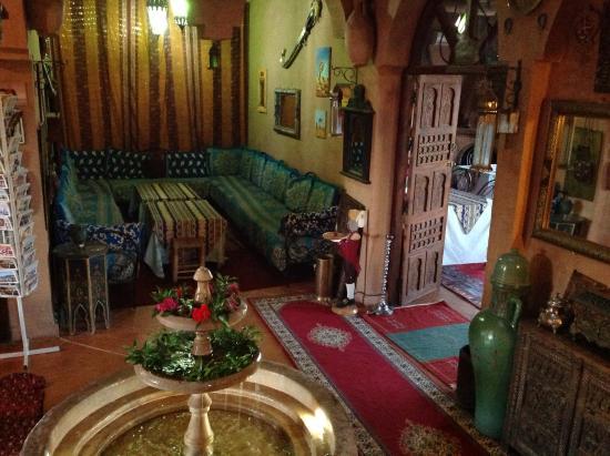 Riad Dar Barbara: Salon marocain et salle à manger