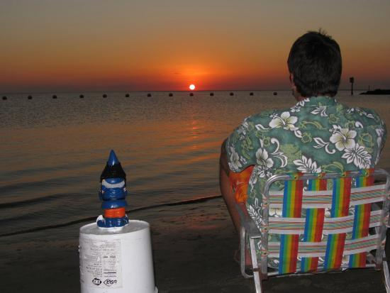 Fort Island Gulf Beach : Sunset with a gnome