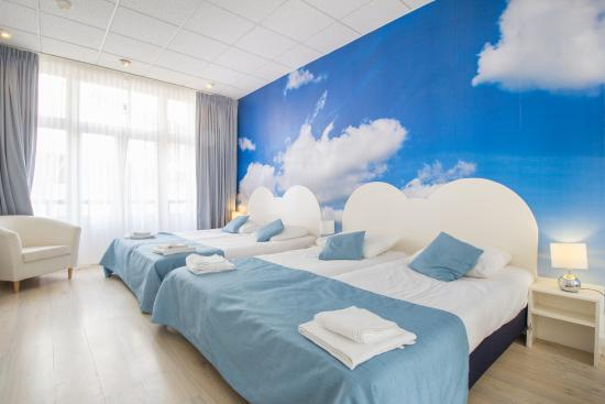 Hotel Mimosa: family room