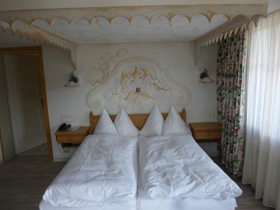 Hotel-Restaurant Walliserhof : Puppensuite