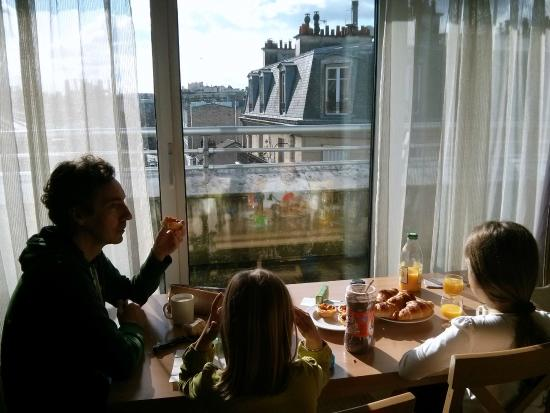 Citadines Didot Montparnasse: Salón y vistas