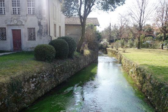 Castello di Strassoldo di Sopra: La roggia