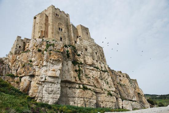 L'Antico Granaio Sotto il Castello Federiciano