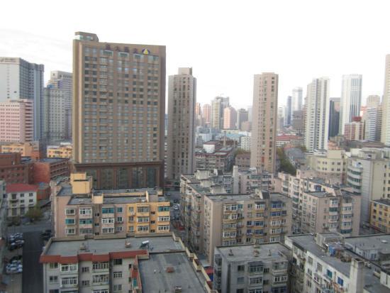 Harbour Plaza Deluxe Serviced Apartments: vista do quarto