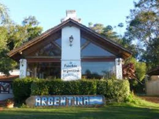 Pabell n argentino del parque de las naciones ober for Casa argentina