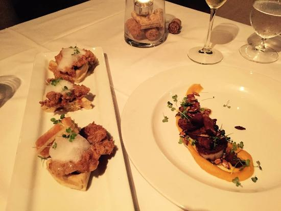 Old Stone Farmhouse: Southern fried gator & waffles, seared scallops