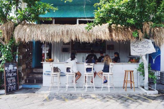 Nalu Bowls Shelter Bali