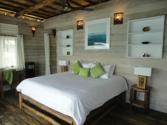 Telunas Private Island : The bed :)