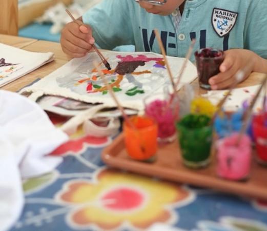 紅型体験&小物販売キジムナー工房, カラフルな色で塗れるので、子どもたちは大喜びでした