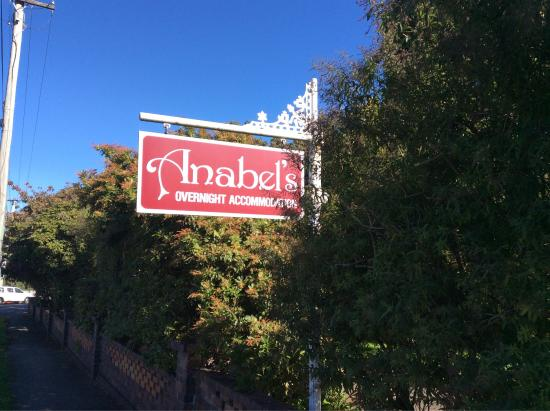 Anabel's of Scottsdale: Front sign