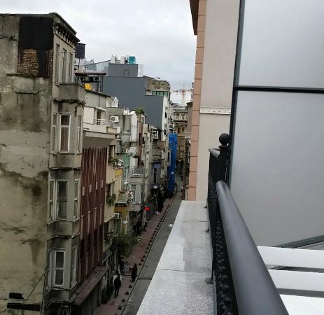 Ada Home Istanbul : Street from balcony