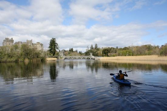 Ashford Equestrian Centre : Kayaking