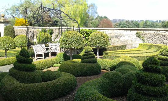 Bourton-on-the-Hill, UK: Parterre
