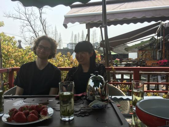 Max and Miki having tea - Wonderful