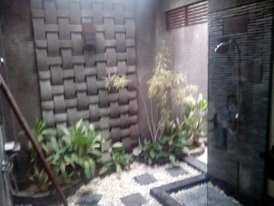 Rumah Santai Villas: Double shower