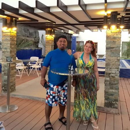 Crown Regency Beach Resort : Company Pool Party