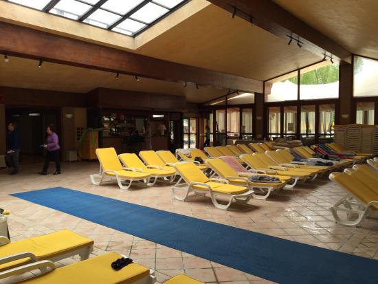 Bar piscina picture of hotel terme preistoriche spa - Hotel preistoriche montegrotto prezzi piscine ...