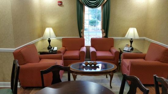 Baymont Inn & Suites Lafayette Airport: Relaxing area