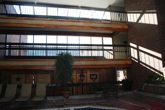 Park Plaza Resort : circulação central do hotel