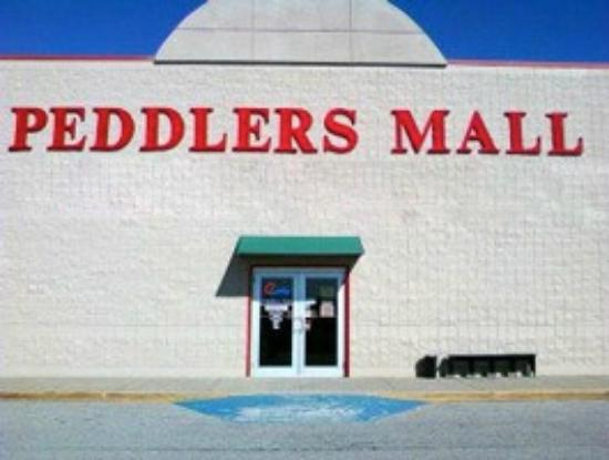 ‪Campbellsville Peddlers Mall‬