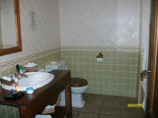 Hotel Triskel: Bathroom