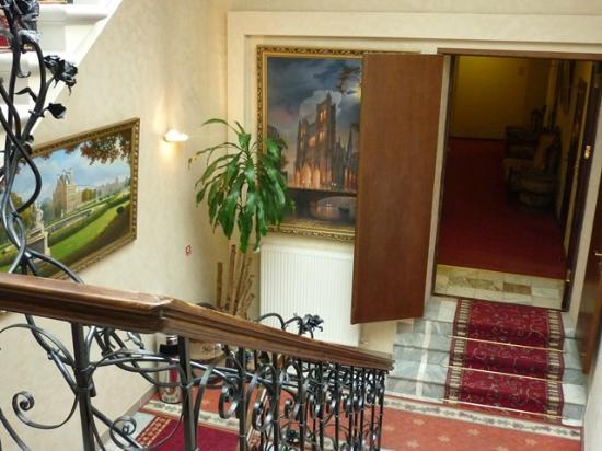 Hotel Monte Kristo: staircase