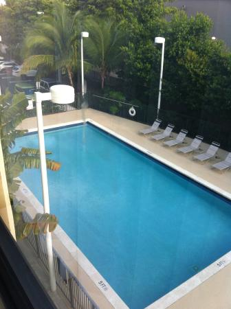 BEST WESTERN PLUS Kendall Hotel & Suites: piscine