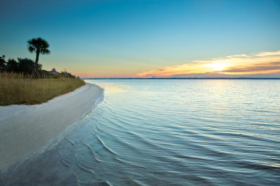 Панама-Сити-Бич, Флорида: Panama City Beach Florida offers 27 miles of white sand, emerald waters and surefire enjoyment