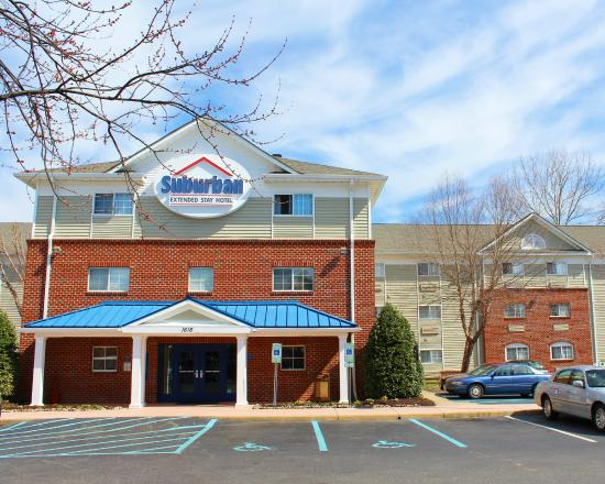 Suburban Extended Stay Of Hampton: Hotel Exterior