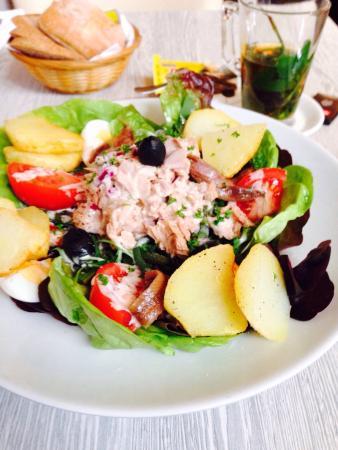 Sjalot en Schanul: Enjoying my salad