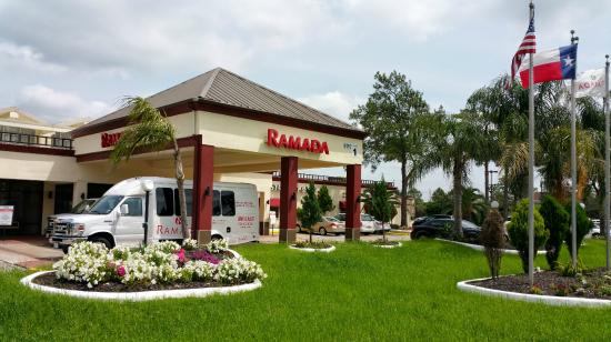 Ramada Houston Intercontinental Airport East Exterior Photo Iah