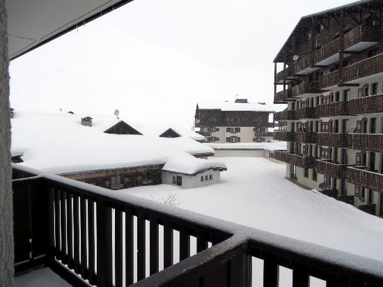 Residence Chalet Alpina: Utsikten mitt mikroskopiska rum