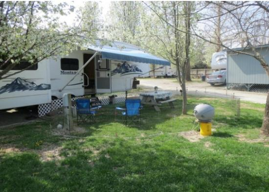 Taneycomo Lakefront Resort and RV Park: Our RV site