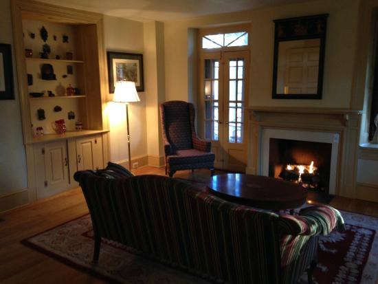 Joseph Ambler Inn: Salon