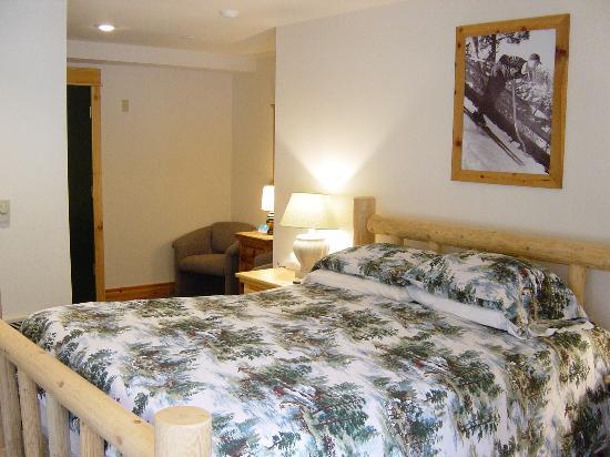 Crystal Mountain Hotels - Village Inn