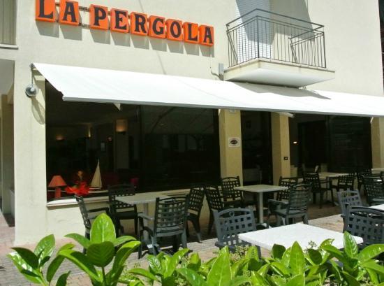 Hotel la pergola bellaria igea marina italia prezzi for La pergola prezzi