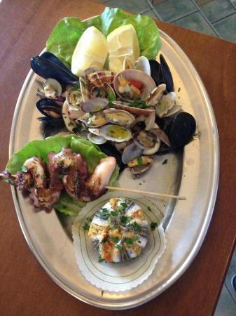 Ristorante IL Panorama  & C. Snc : Fantastico antipasto dì mare mangiato al ristorante il panorama grazie al suggerimento del propr