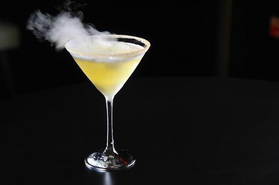 Blackwater Lounge: Smoking Martini