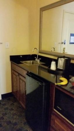 Hampton Inn & Suites Natchez: Little kitchen area