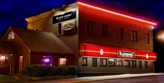 Black Wood's Bar & Grill: Two Harbors Location