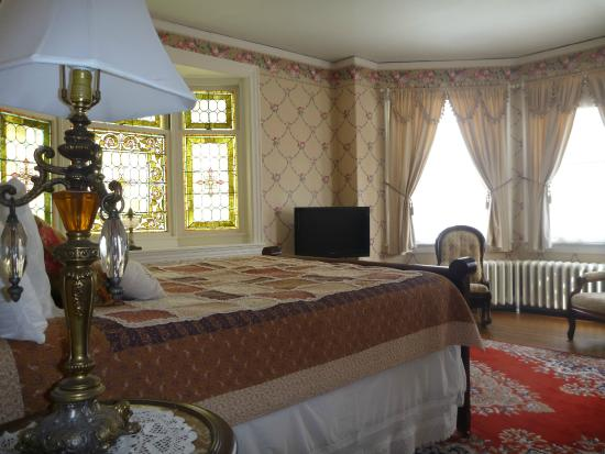 The Munroe Inn: Noble Suite