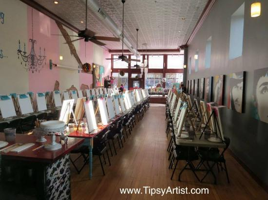 Guthrie, OK: Tipsy Artist Party - before the crowd arrives