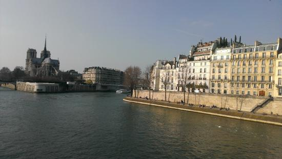 Hotel de Lutece: The hotel is on the island to the right.  On island to the left is Notre Dame.